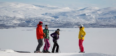 SKIING & NORTHERN LIGHTS IN LAPLAND