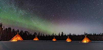 GLAMPING BENEATH THE NORTHERN LIGHTS IN LAPLAND
